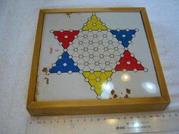 早期塑膠製磁鐵跳棋~~木盒~~收藏.懷舊