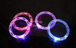 【艾比讚】LED發光手鐲 閃光LED手環 壓克力發光手環 演唱會造勢活動尾牙派對