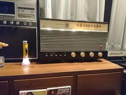 國際牌真空管古董收音機夢幻美機日本製(骨董.藍芽接收,音響,喇叭)
