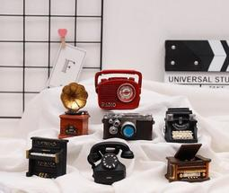 日雜小物懷舊風情 復古小物模型擺飾 打字機 留聲機 老電話機 黑膠唱片機 鋼琴 照相機 收音機 園藝盆微景觀袖珍道具裝飾