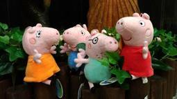 ^.^飛行屋(全新品)各種絨毛玩具 造型娃娃 卡通人物 絨毛玩偶 原版~便宜出清/6吋 粉紅豬小妹(佩佩&喬治 全家福)