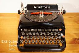 《Quick Brown Fox》1936 Remington typewriter 古董打字機(工業風,骨董,復古)