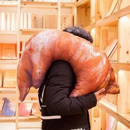 (70cm)豬蹄豬腳抱枕靠墊坐墊居家擺飾交換禮物尾牙抽獎創意造型新奇有趣-