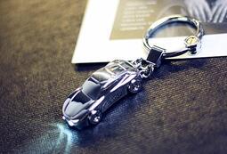 個性小汽車帶LED小燈鑰匙扣情侶款創意金屬鑰匙鏈小掛件送禮禮品